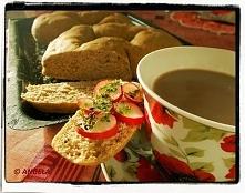 Orkiszowy chleb razowy z si...