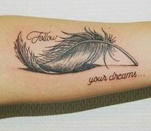 tatuaż piórko  follow your ...
