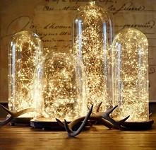 Kropelki światła na łańcuchu led jako dekoracyjne oświetlenie pomieszczenia. Prawda, że świetnie się prezentują w tych szklanych kloszach? Kropelki do nabycia u nas - bogatewnet...