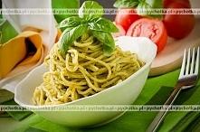 Spaghetti z pesto i parmezanem