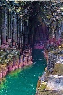 Jaskinia Fingels w Szkocji