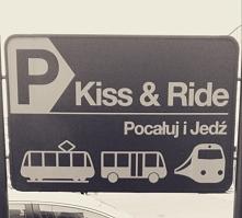 Tablica przy dworcu w Pozna...