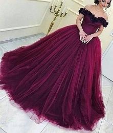 Jestem zakochana w tego typu sukniach *-*