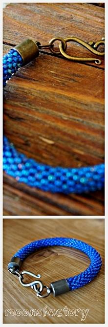 moonsfactory.wordpress.com  Piękna bransoletka wykona z koralików znanej firm...