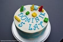 Tort z klockami Lego