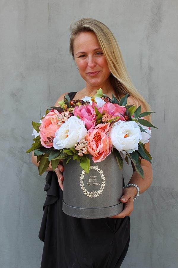 jesienny flower box pełen sztucznych kwiatów z pracowni tendom.pl