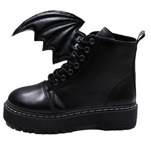 Dla fanów Anime i Manga. Buty z odpinanymi skrzydłami. Kliknij w zdjęcie jeśli chcesz kupić.