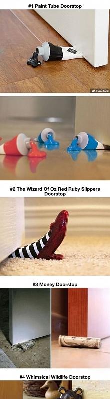 Całkiem wymyślne stopery do drzwi.