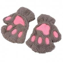 Śliczne, urocze rękawiczki bez palców w kształcie kocich łapek. Kliknij w zdjęcie i zobacz gdzie kupić!
