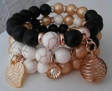 Piękne, delikatne i klasyczne ręcznie wykonane bransoletki z koralików szklan...