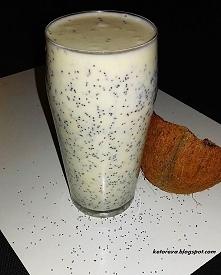 Potrójnie kokosowy koktajl z makiem i cytryną