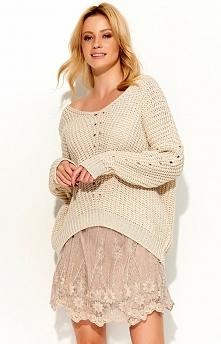 Makadamia S53 sweter beżowy Modny sweter, wykonany z miękkiej sweterkowej dzianiny, długi rękaw, dekolt w serek