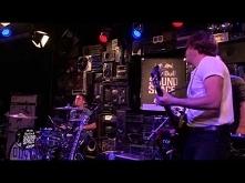 Arctic Monkeys - Do I Wanna...