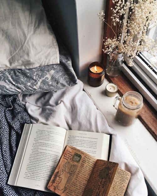 Książka to jest czego teraz potrzebuje, przenieść się w inny świat...