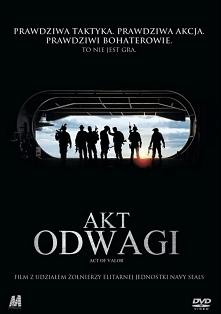 Akt odwagi (2012) Elitarna jednostka żołnierzy zostaje wysłana na tajną misję w celu odzyskania porwanej agentki CIA. Film,który wzruszy każdego.
