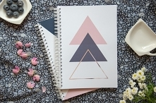 """Planer dzienny, planer tygodniowy """"Magiczne Trójkąty"""". Idealny sposób na doskonałą organizację. Piękna okładka, minimalistyczne szablony planera."""