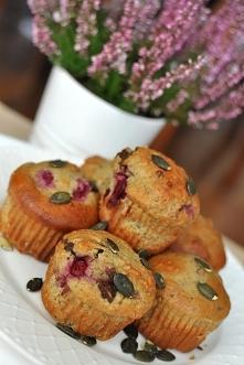 Muffiny z mąką dyniową, wiśniami i gorzką czekoladą