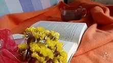 Jesienne wieczory często spędzam przy ciepłej herbacie i dobrej książce :)