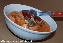 Kiełbaski w sosie pomidorowym