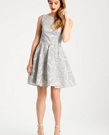 Szara sukienka Chi Chi London Petite LAREESE.