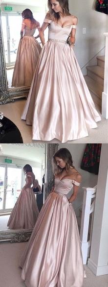 Co sądzicie o takiej sukien...