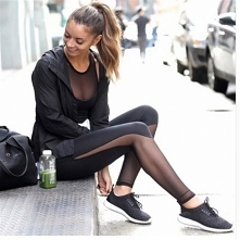 Seksowne, dopasowane legginsy do ćwiczeń ze wstawką z siateczki ♥ Kliknij w zdjęcie i zobacz gdzie kupić ;)