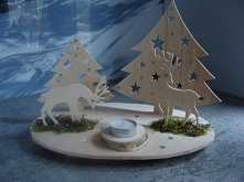 Dekoracja świąteczna wykonana ręcznie z drewna według własnego pomysłu.