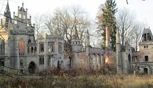 Ruiny zamku w Polsce