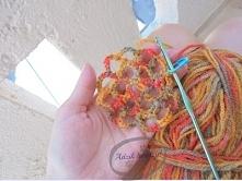 Jak jeszcze bardziej umilić sobie wakacyjny wyjazd? :) Weź hobby ze sobą! :D  Na wakacje poleciałam z szydełkiem, drutami oraz włóczką. I co z tego wyszło? KLIKnijcie w zdjęcie ...
