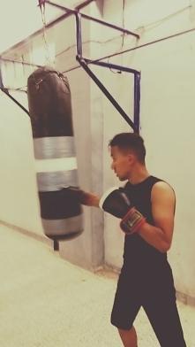 Korzyści z uprawiania boksera Samoobrona: jeden z najbardziej sportowych, które pomagają ludzkiej fizycznej samoobrony, poprzez uczenie się ogromną ilość sposobów, aby zapłacić ...