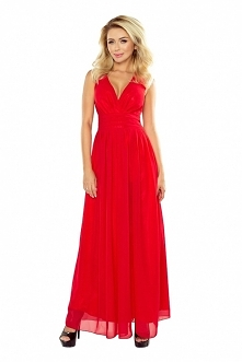 Szyfonowa zwiewna czerwona sukienka z rozcięciem na nogę ;) pod spodem ma fajny połyskujący materiał - nieprzezroczysty ;) numoco