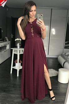 Bordowa długa suknia z rozp...