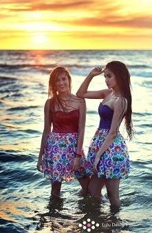 Słońce, plaża, morze i kwiatowe sukienki <3
