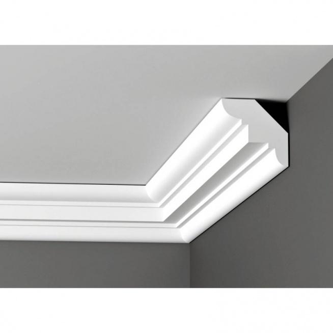 Listwa sufitowa DWGW 02 to symetryczny gzyms sufitowy, który perfekcyjnie zamaskuje połączenie ściany i sufitu. Jego zdobienia łączą w sobie ostre kształty i subtelne zaokrąglenia. Ta sztukateria wewnętrza wykonana jest ze styroduru XPS, który charakteryzuje się dużą odpornością na wilgoć oraz niską wagą, co jest przydatne podczas montażu. Równie łatwo poddaje się malowaniu. Dostępna w sklepie online Dekorplanet.pl