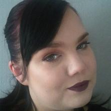 Kolejna fantazja makijażowa. Jestem laikiem jeśli chodzi o makijaż ale próbuj...
