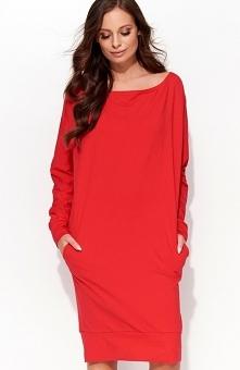 Folly F31 sukienka czerwona Komfortowa sukienka, wykonana z gładkiej jednolitej dzianiny, fason typu kimono