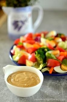 salatka i sos cezar