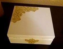 szkatułka na bizuterie:)