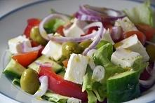 Składniki (ilość składników wedle upodobań):      sałata lodowa     papryka c...