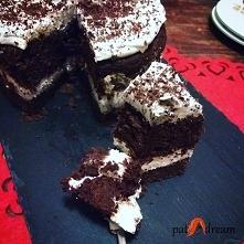 Wegański czekoladowy tort z kremem kokosowym ( bez białego cukru, bez glutenu )