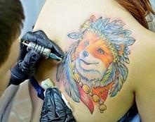 tatuowanie lisa na łopatce