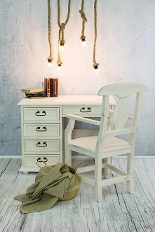 patynowane biurko z litego ...