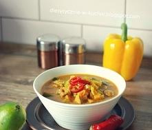 Dietetyczna, pikantna zupa curry z kurczakiem