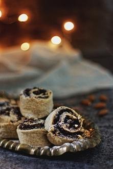 Bezglutenowe bez nabiału drożdżowe zawijańce z makiem :)  bezglutenowe ciasto drożdżowe 240 g mąki owsianej bezglutenowej 240 g mąki ziemniaczanej lub tapioki 1 łyżeczka gumy ks...