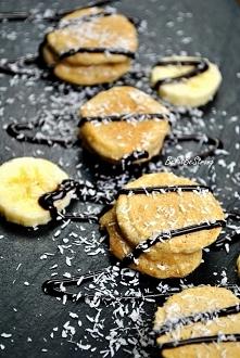 Banany w cieście kokosowym FIT! Przepis po kliknięciu w zdjęcie.