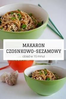 Makaron czosnkowo-sezamowy - obiad w 15 minut • origamifrog.pl