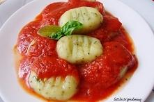 Ziołowe gnocchi w pomidorach