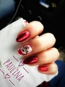 Minnie Mouse Christmas nail...