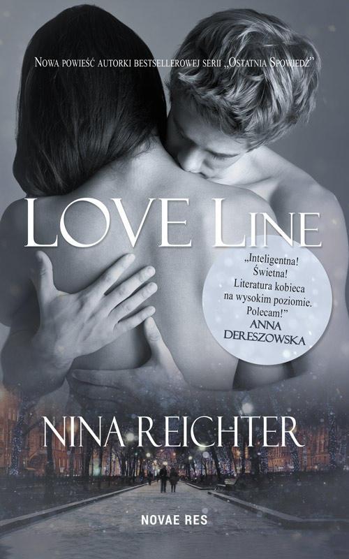 """Od dłuższego czasu zastanawiam się, jaką recenzję książki """"Love Line"""" napisać i cały czas biję się z myślami. Niby wszystko w porządku, niby jest ok, ale jednak to nie to. Nie czuję magii powieści, nie wciągnęła mnie, a każda szansa, którą jej dawałam była spalona. Do przeczytania jej zachęcił mnie chwytliwy wers """"Gdy spotkasz kogoś, w kim mógłbyś się zakochać, wiesz o tym od razu"""" - super prawda? Wydaje mi się jednak, że bohaterowie nie do końca o tym wiedzą..."""