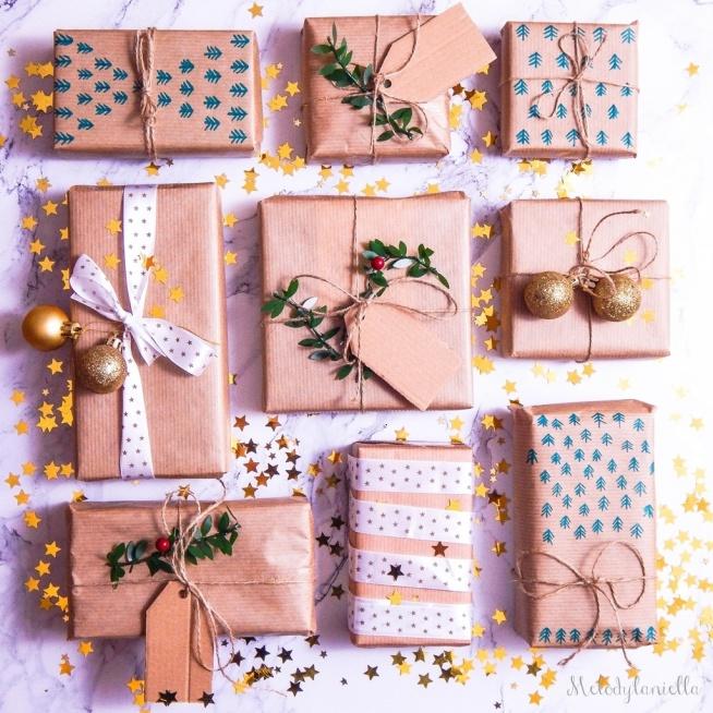 Jak pakować prezenty, pomysły i inspiracje na pakowanie prezentów w szary papier pakowy. Tanie pakowanie prezentów. DIY, lifestyle, święta, prezenty, pomysły.